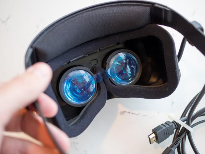 lenovo-prototype-vr-headset-7