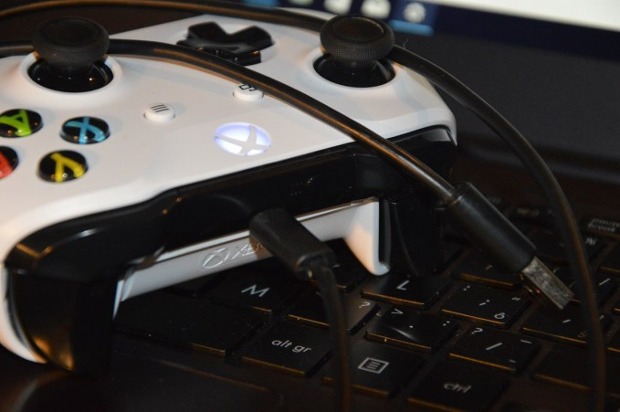 Xbox One gamepad 3